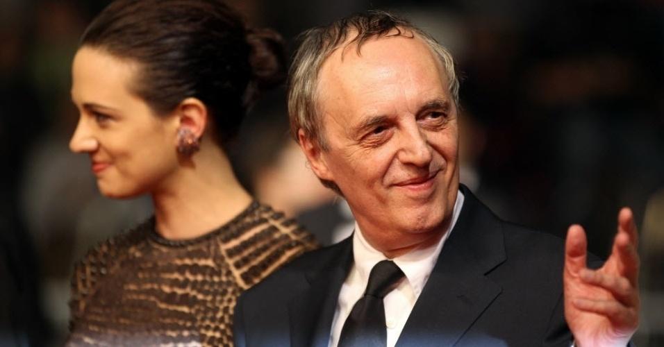 """O diretor italiano Dario Argento e sua filha, Asia, participam de sessão de """"Dracula 3D"""" em Cannes"""
