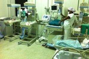 Local em que os bebês do hospital Januário Cicco, em Natal (RN), estão internados. A imagem foi publicada no Twitter de uma médica