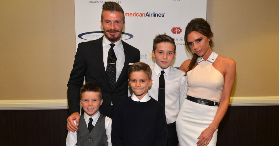A fam&#237;lia Beckham participa de evento beneficente nos EUA (20/5/12)