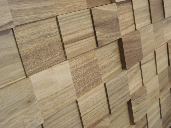 À venda na IndusParquet, a pastilha de demolição Amêndola é fabricada com madeira maciça