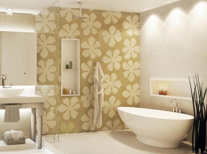 Da linha Tessera Fiori, da Biancogres, o mosaico de pastilhas em cerâmica monoporosa forma o desenho de uma flor