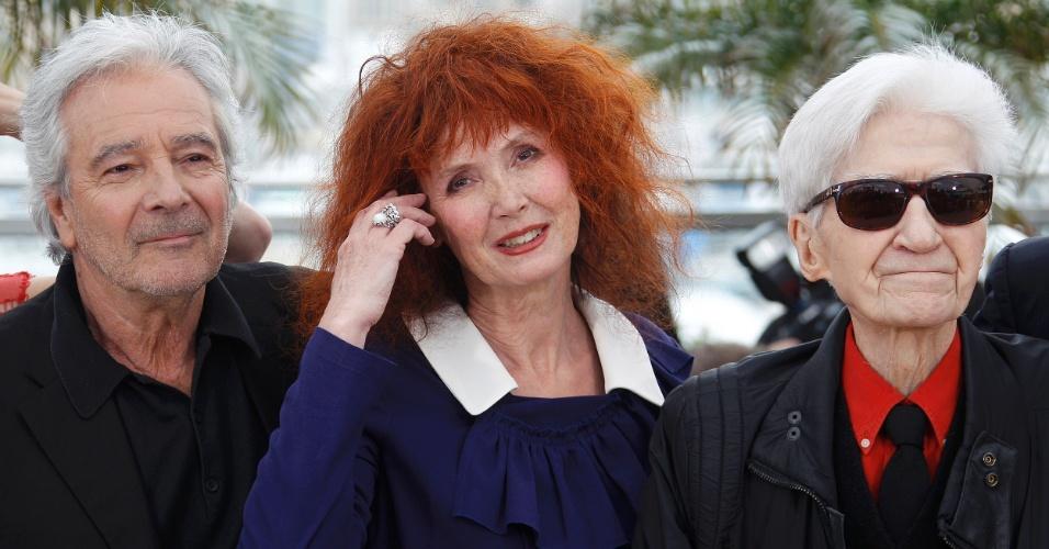 """Os atores Pierre Arditi e Sabine Azema posam ao lado do diretor Alain Resnais na divulgação do filme """"Você ainda não viu nada"""" no Festival de Cannes 2012 (21/5/12)"""