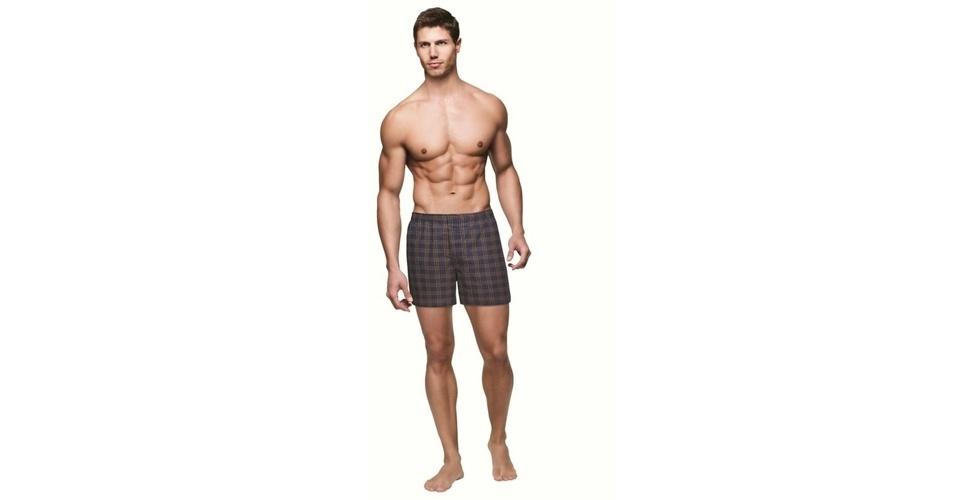 Para os adeptos das calças baixas com cueca aparecendo, vale experimentar um cueca samba-canção, como esta da Zorba; a partir de R$ 16,50, na Nova Lua