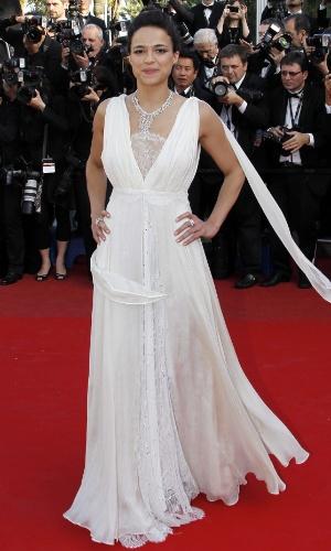 """A atriz Michelle Rodriguez chega à exibição de """"Killing Them Softly"""" no Festival de Cannes 2012 (22/5/12)"""