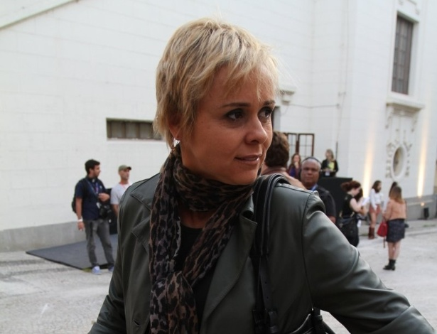 Giulia Gam prestigia a edição Verão 2013 do Fashion Rio (22/5/12). O evento de moda acontece no Jockey Club, zona sul do Rio