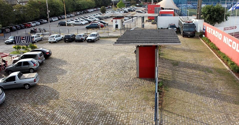 No sábado, a vista da entrada do estádio ficou vazia