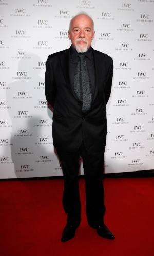 """O escritor Paulo Coelho no jantar exclusivo """"IWC Filmmakers Dinner"""" no hotel du Cap-Eden-Roc em Cap d'Antibes, na França, durante o Festival de Cannes 2012 (21/5/12)"""