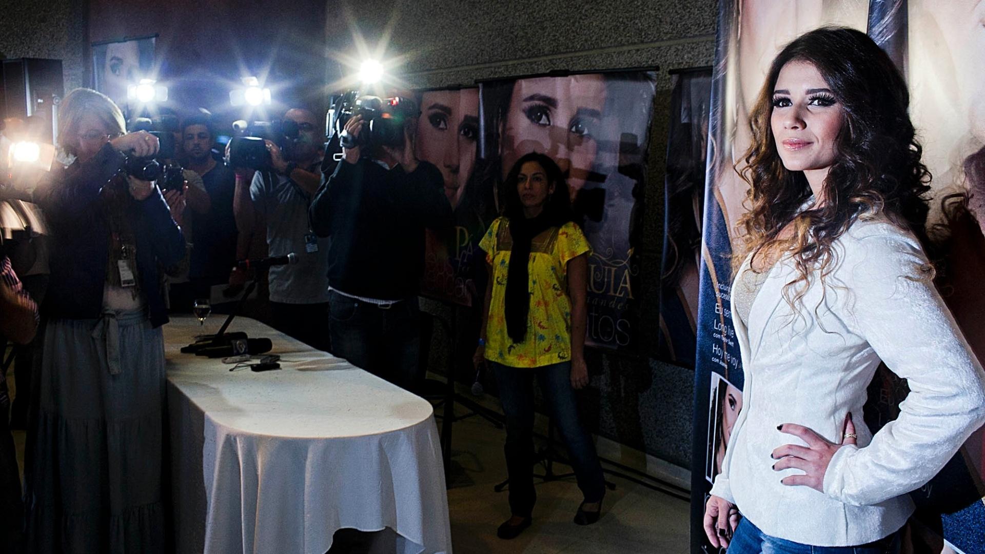 Paula Fernandes em entrevista coletiva para a imprensa sobre seu novo disco,