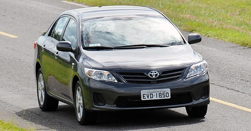 14º lugar: Toyota Corolla -- XLi 1.8 M/T: R$ 59.950 (era R$ 64.500)