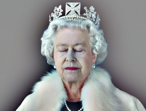"9.abr.2012 - A exposição ""The Queen: Art and Image"" leva à National Portrait Gallery, em Londres, obras de artistas retratando a rainha Elizabeth 2ª. A foto reproduz a obra ""Lightness of Being"" (2007), por Chris Levine"