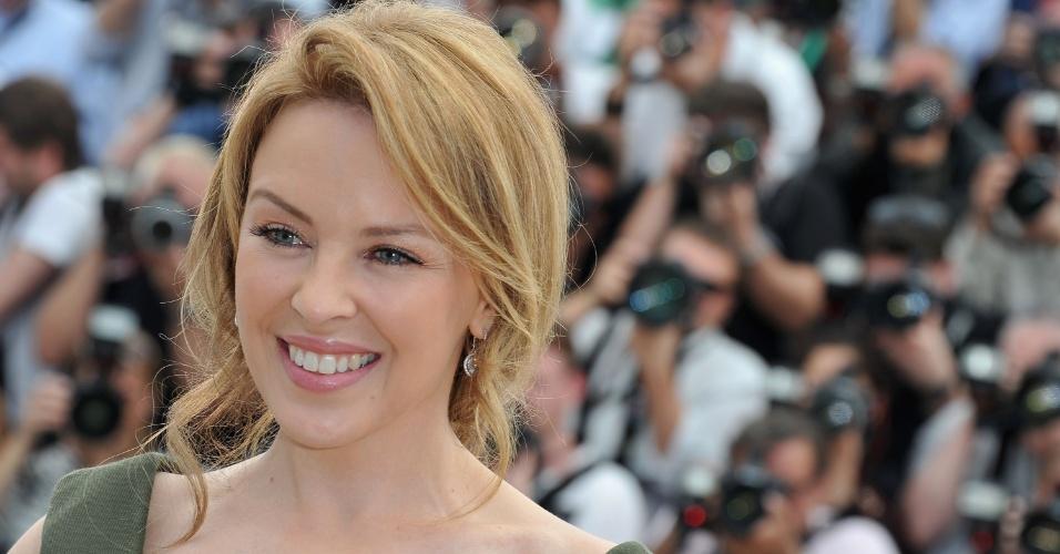 """A cantora Kylie Minogue na apresentação do filme """"Holy Motors"""" no Festival de Cannes 2012 (23/5/12)"""