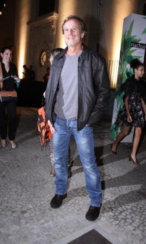 Marcello Novaes confere o segundo dia de desfiles do Fashion Rio (23/5/12). O evento de moda acontece no Jockey Club, zona sul do Rio