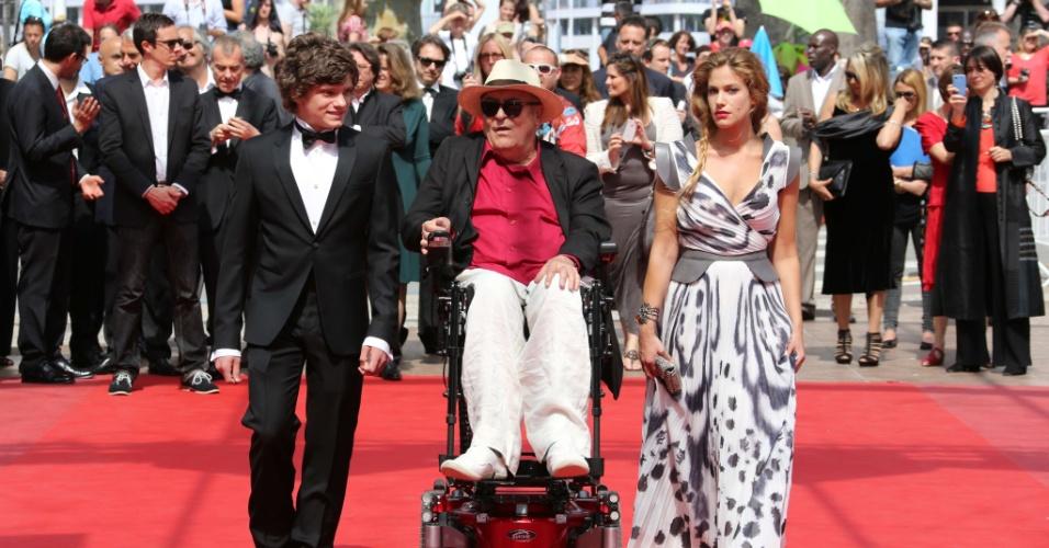 """O ator Jacopo Olmo Antinori, o diretor Bernardo Bertolucci e a atriz Tea Falco na exibição do filme """"Io E Te"""" no Festival de Cannes 2012 (23/5/12)"""