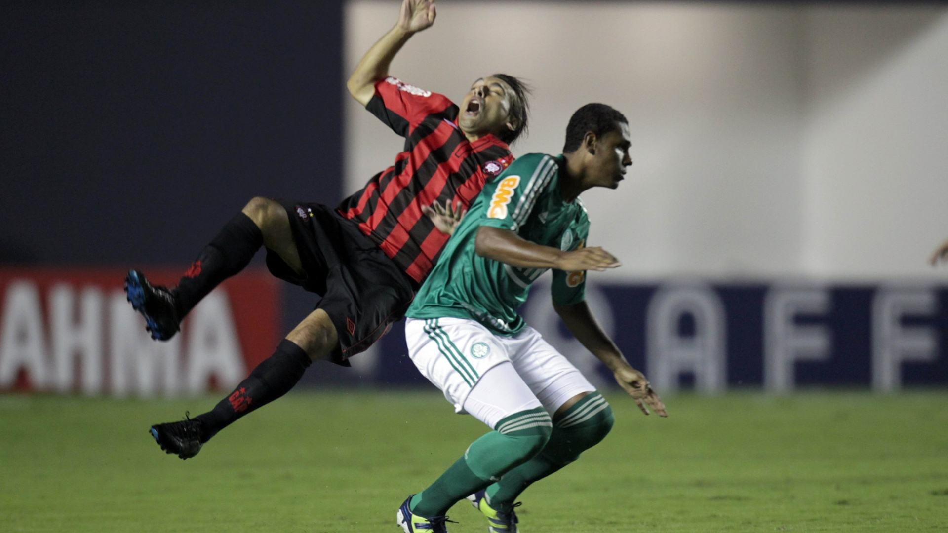 Palmeiras e Atlético-PR jogam na Arena Barueri por uma vaga nas semifinais da Copa do Brasil