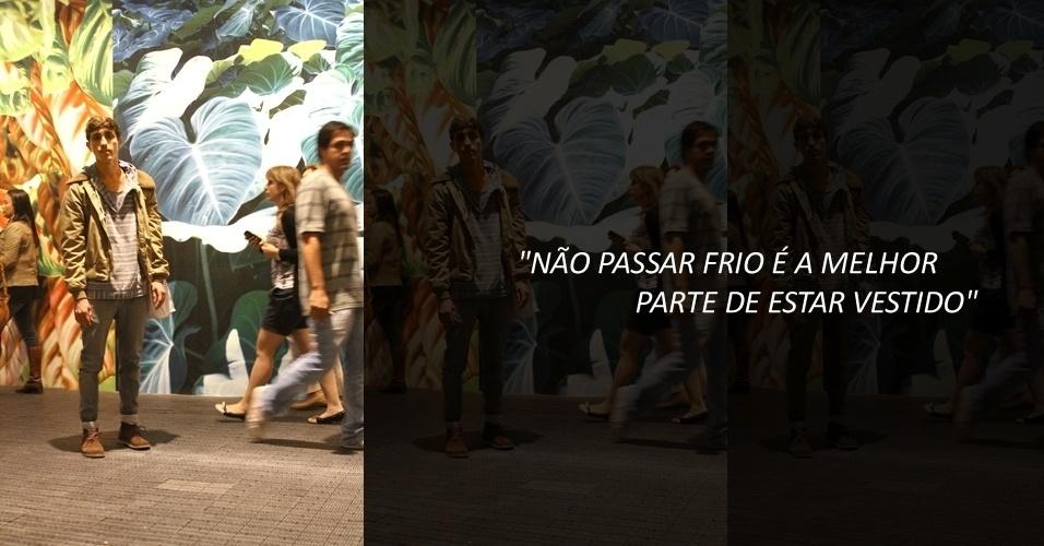 Rafael Medeiros, 25, é assistente de mágico e veste moletom de bazar beneficente, jaqueta do pai e bolsa da Etna. A calça é Osklen e a bota, Kooples (22/05/2012)