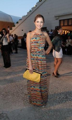 Tammy Di Calafiori confere o segundo dia de desfiles do Fashion Rio (23/5/12). O evento de moda acontece no Jockey Club, zona sul do Rio