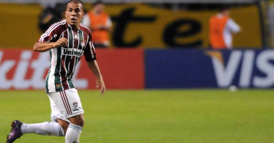 Thiago Carleto comemora após marcar gol do Fluminense contra o Boca Juniors, no Engenhão