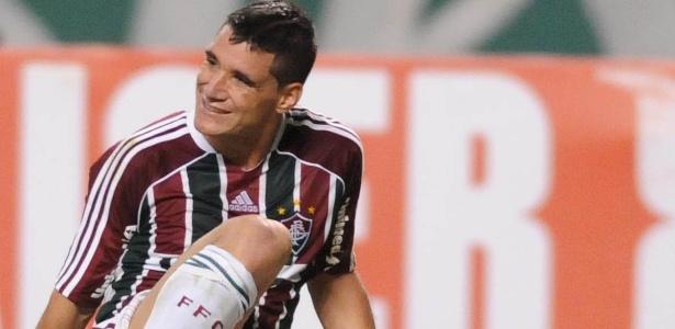 Thiago Neves sofria com dores no joelho esquerdo e passará por cirurgia nesta quinta