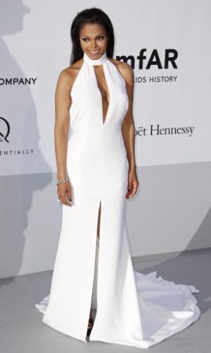 A cantora Janet Jackson chega a evento em benefício da luta contra a Aids durante o Festival de Cannes 2012 (24/5/12)