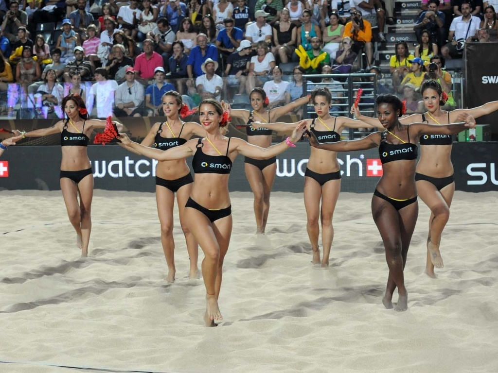 Apesar do Mundial de 2011 ter sido em Roma, cheerleaders fizeram coreografia de dana espanhola durante o intervalo da partida