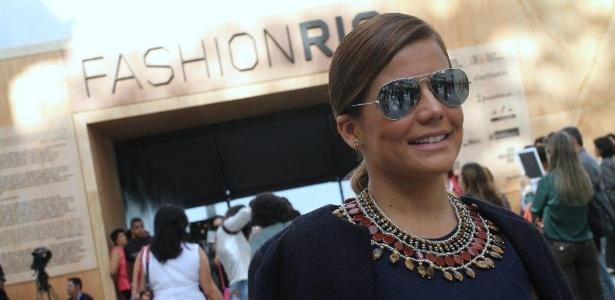 Nívea Stelmann confere o terceiro dia de desfiles do Fashion Rio (24/5/12). O evento de moda acontece no Jockey Club, zona sul do Rio