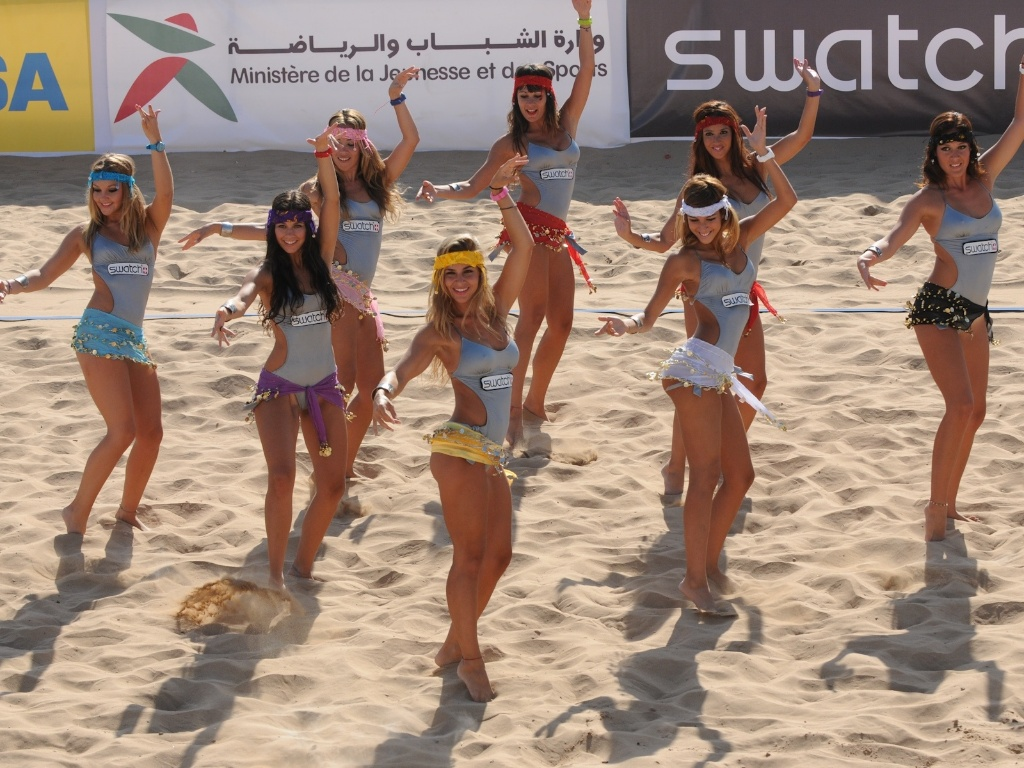 No Marrocos, cheerleaders fazem coreografia inspirada na dança do ventre
