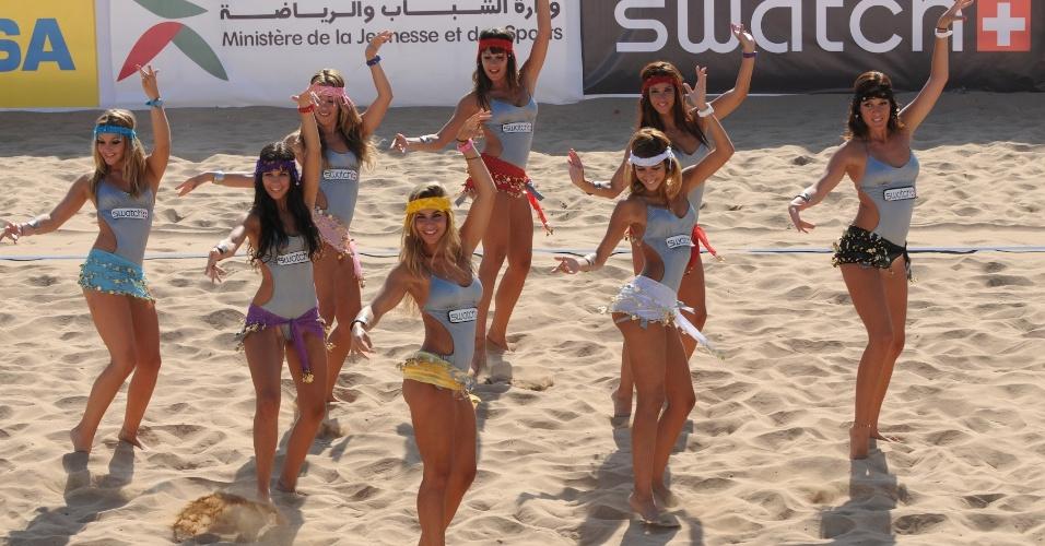No Marrocos, cheerleaders fazem coreografia inspirada na dança do ventre