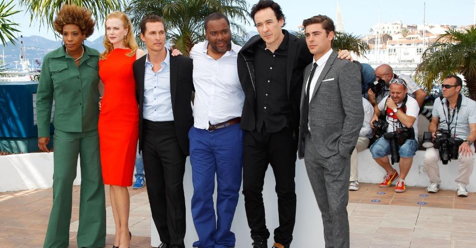 Os atores Macy Gray, Nicole Kidman, Matthew McConaughey, o diretor Lee Daniels, e os atores John Cusack e Zac Efron no Festival de Cannes 2012 (24/5/12)