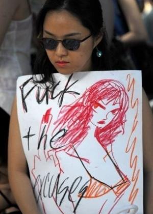 16.jun.2011 - Sul-coreana participa da Marcha das Vadias, em Seul. O movimento reivindica que as mulheres possam se vestir e agir como quiserem, sem serem reprimidas por sua sexualidade