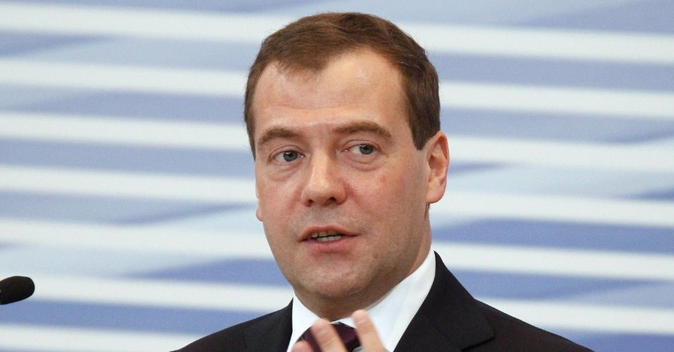 25.mai.2012 - O primeiro-ministro russo, Dimitri Medvedev, participa da 13&#170; confer&#234;ncia da R&#250;ssia Unida, em Moscou, nesta sexta-feira (25)