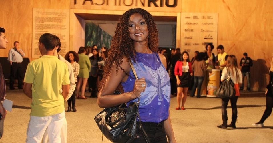 Chris Vianna confere o quarto dia de desfiles do Fashion Rio (25/5/12). O evento de moda acontece no Jockey Club, zona sul do Rio