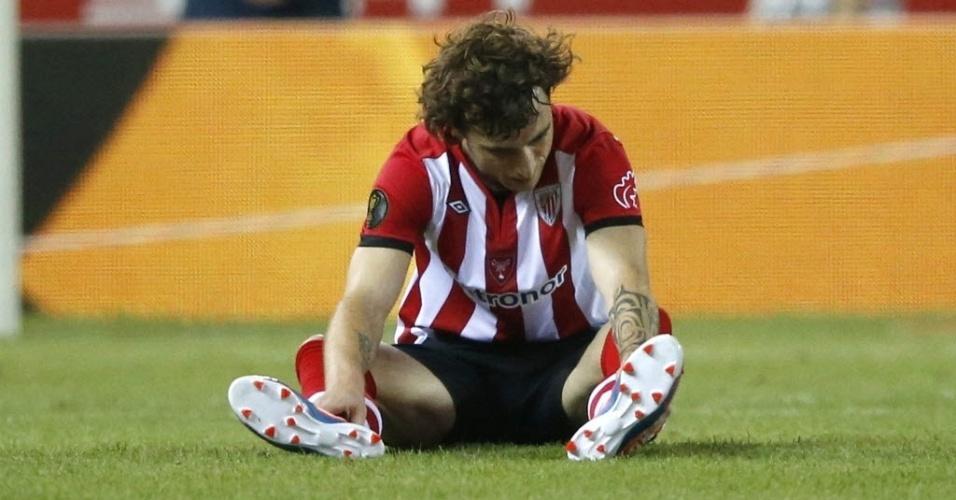Fernando Amorebieta fica desolado após a derrota por 3 a 0 para o Barcelona na final da Copa do Rei