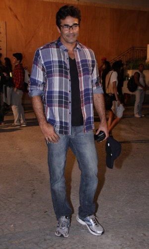 Luciano Szafir confere o quarto dia de desfiles do Fashion Rio (25/5/12). O evento de moda acontece no Jockey Club, zona sul do Rio
