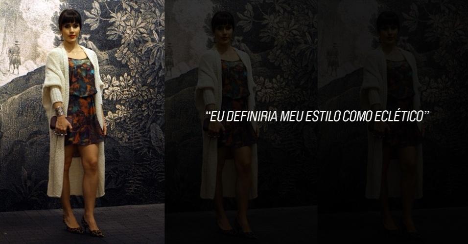 A atriz Fernanda Pontes, 28, usa vestido e tricô Cantão, sapato Constânca Bastos e carteira Alexander McQueen (25/05/2012)