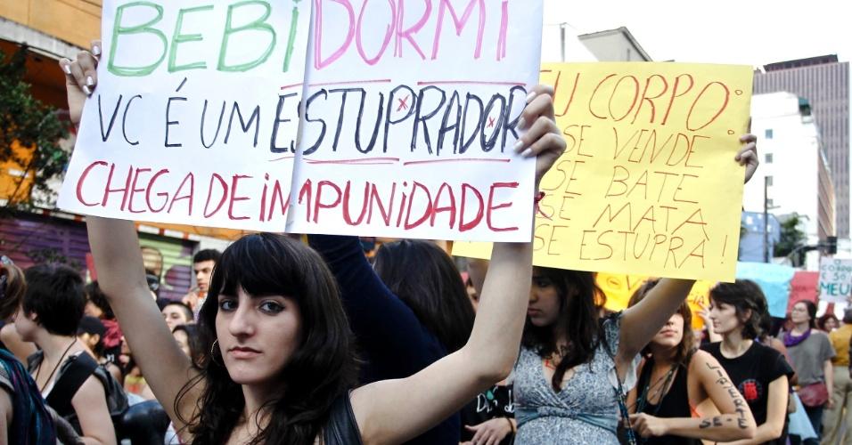 A Marcha das Vadias em São Paulo reuniu mais de 500 pessoas na acenida Paulista. Em todo o Brasil, pelo menos 14 cidades também organizaram passeatas em defesa dos direitos das mulheres