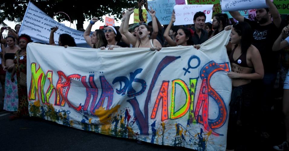 A Marcha das Vadias tomou o calçadão de Copacabana neste sábado (26), no Rio de Janeiro