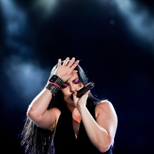 Amy Lee da banda Evanescence se apresenta no Rock In Rio Lisboa (25/5/12)