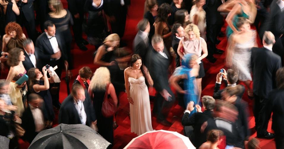 """Convidados chegam para a exibição do longa sul coreano """"The Taste of Money"""" no Festival de Cannes, na França (26/5/12)"""