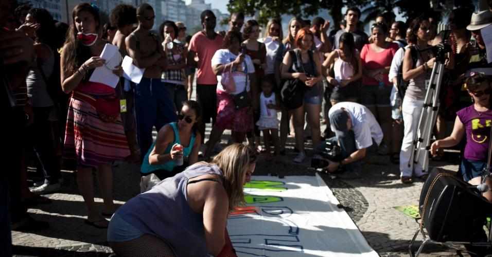 No Rio de Janeiro, a Marcha das Vadias começou na Praia de Copacabana. Um princípio de tumulto em frente à Igreja Nossa Senhora de Copacabana precisou da intervenção da Polícia Militar
