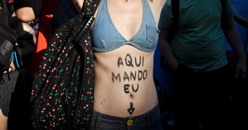 No Rio de Janeiro, mulheres estampam no corpo o recado da Marcha das Vadias