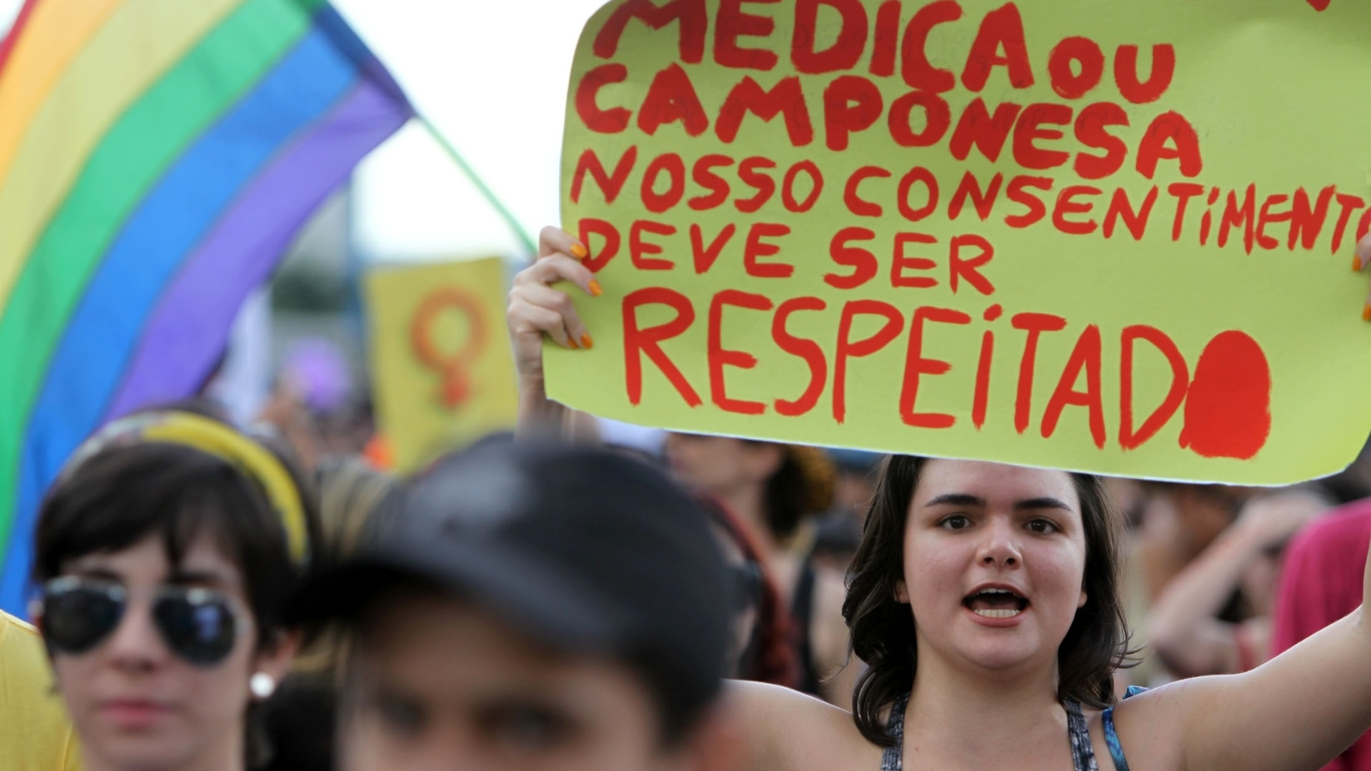  O protesto contra a violncia dirigida  mulher  o objetivo principal da Marcha das Vadias. O movimento comeou em Toronto, no Canad, no ano passado, e desde ento chegou a cidades em todo o mundo