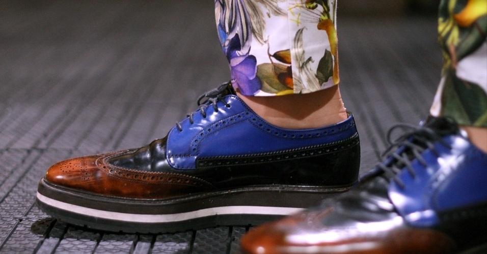 Detalhe para o sapato Prada, de Thomaz (26/05/2012)