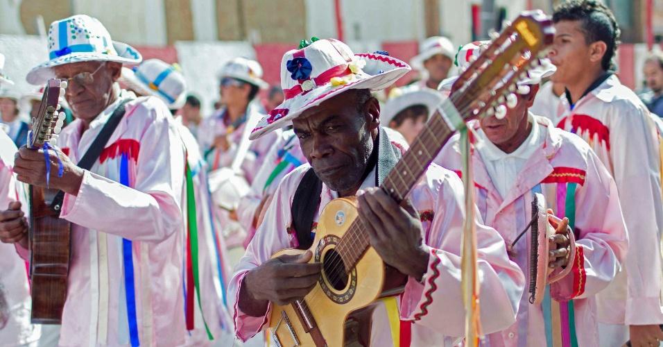 Músicos animam a Festa do Divino em São Luiz do Paraitinga (SP)