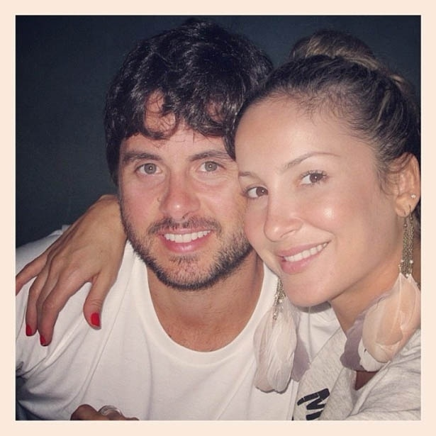 Claudia Leitte divulga foto com o marido M&#225;rcio Pedreira &#40;28/5/2012&#41;