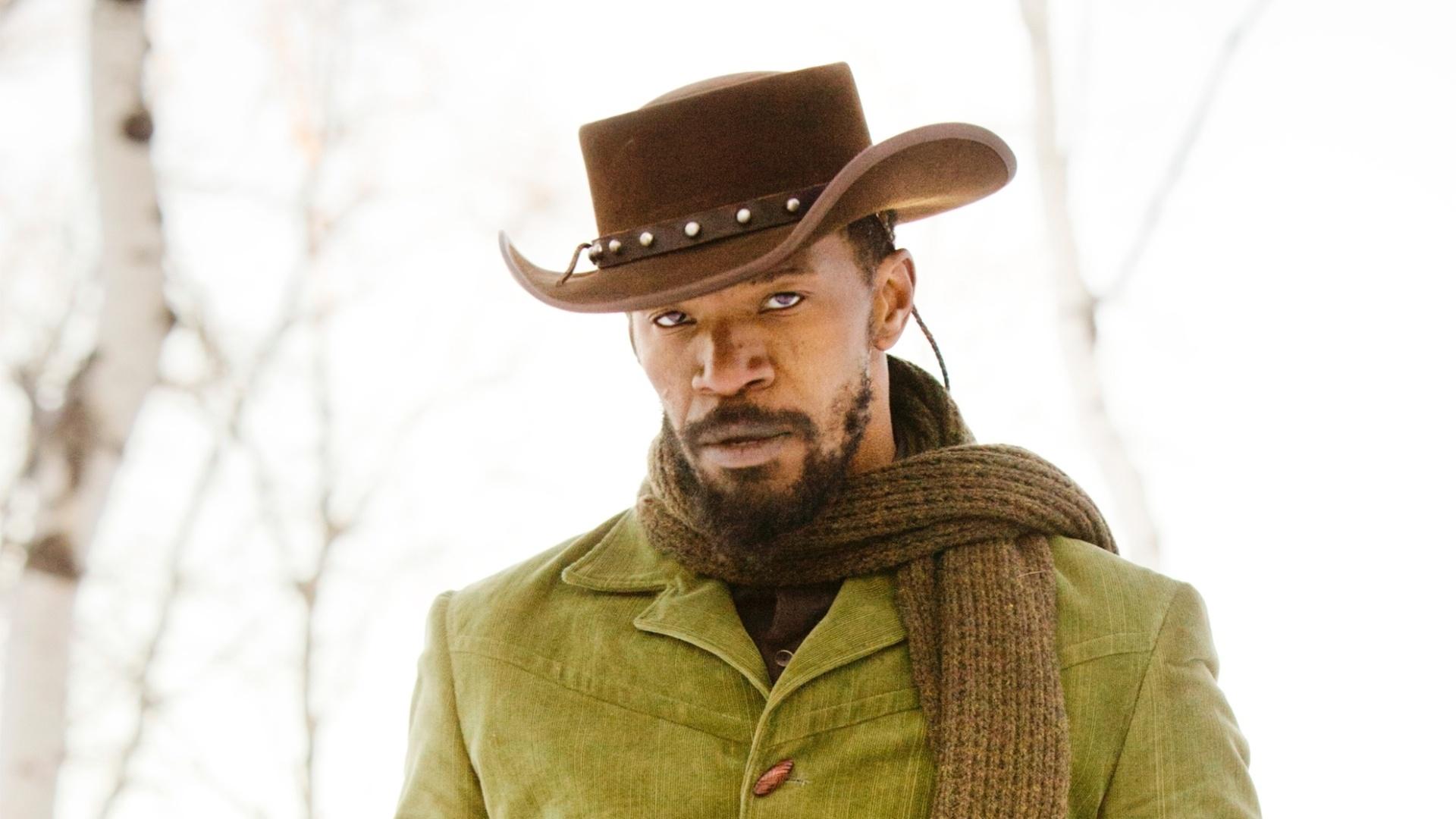 O escravo Django (Jamie Foxx) em cena de