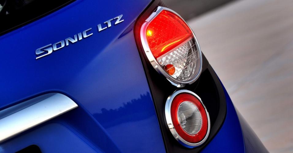 Ao mesmo tempo em que ousa ao brincar com formas, GM economiza ao deixar de usar soluções como LED; aparência