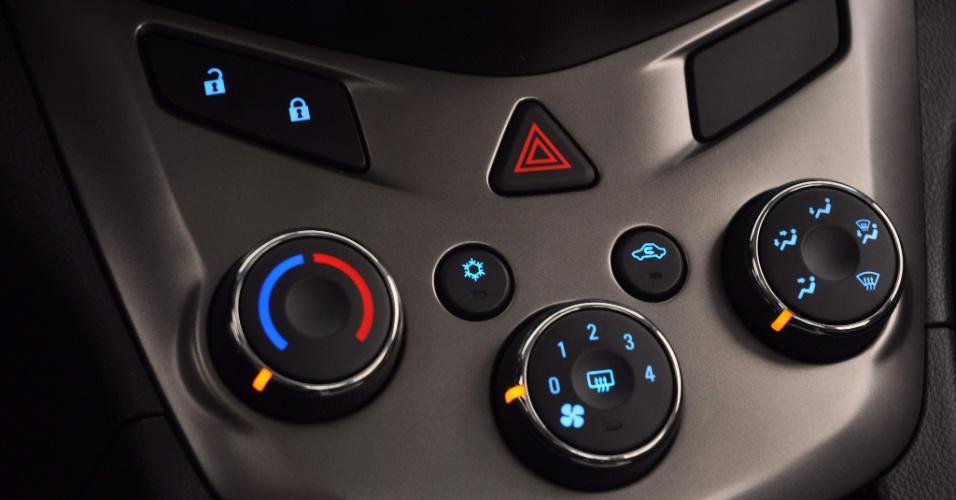 Ar condicionado tem comandos conhecidos para quem viu Agile, Captiva, Cruze, Cobalt... mas sistema não é digital ou automático