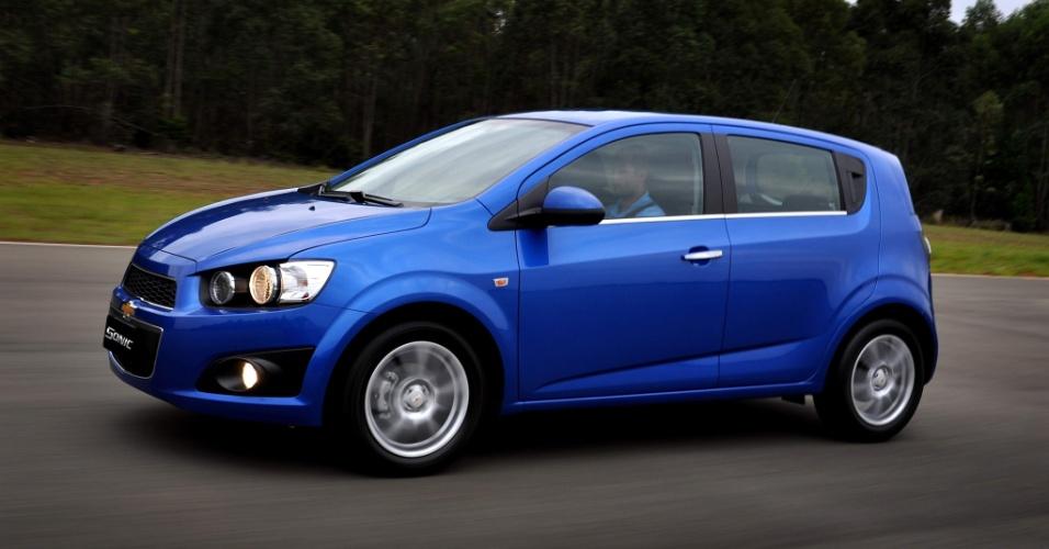 Chevrolet Sonic tem preços que vão de R$ 46.200 a 56.100. Modelo paga IPI maior, por ser importado da Coreia do Sul