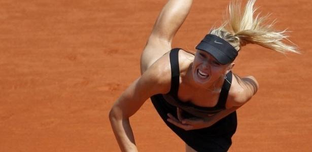 Sharapova aplicou dois pneus em sua estreia em Roland Garros nesta terça-feira