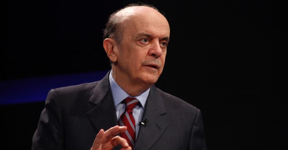 30.mai.2012 - Pré-candidato do PSDB à Prefeitura de São Paulo José Serra participa de sabatina promovida pelo SBT e pelo portal Terra, na capital paulista